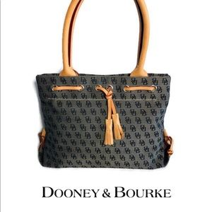 Beautiful Dooney & Bourke Small Signature Handbag